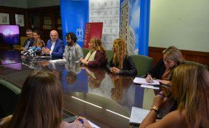 070519- José Víctor Fuentes ha estado acompañado por el presidente del Cabildo de La Palma, Anselmo Pestana-Festivalito-03